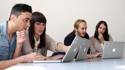 Studierende des Studiengangs Online-Redakteur (Bild: Thilo Schmülgen/FH Köln)