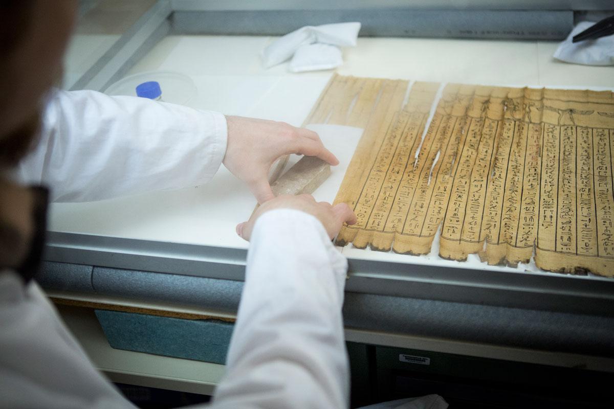 papyrus am institut f r restaurierungs und konservierungswissenschaft th k ln. Black Bedroom Furniture Sets. Home Design Ideas