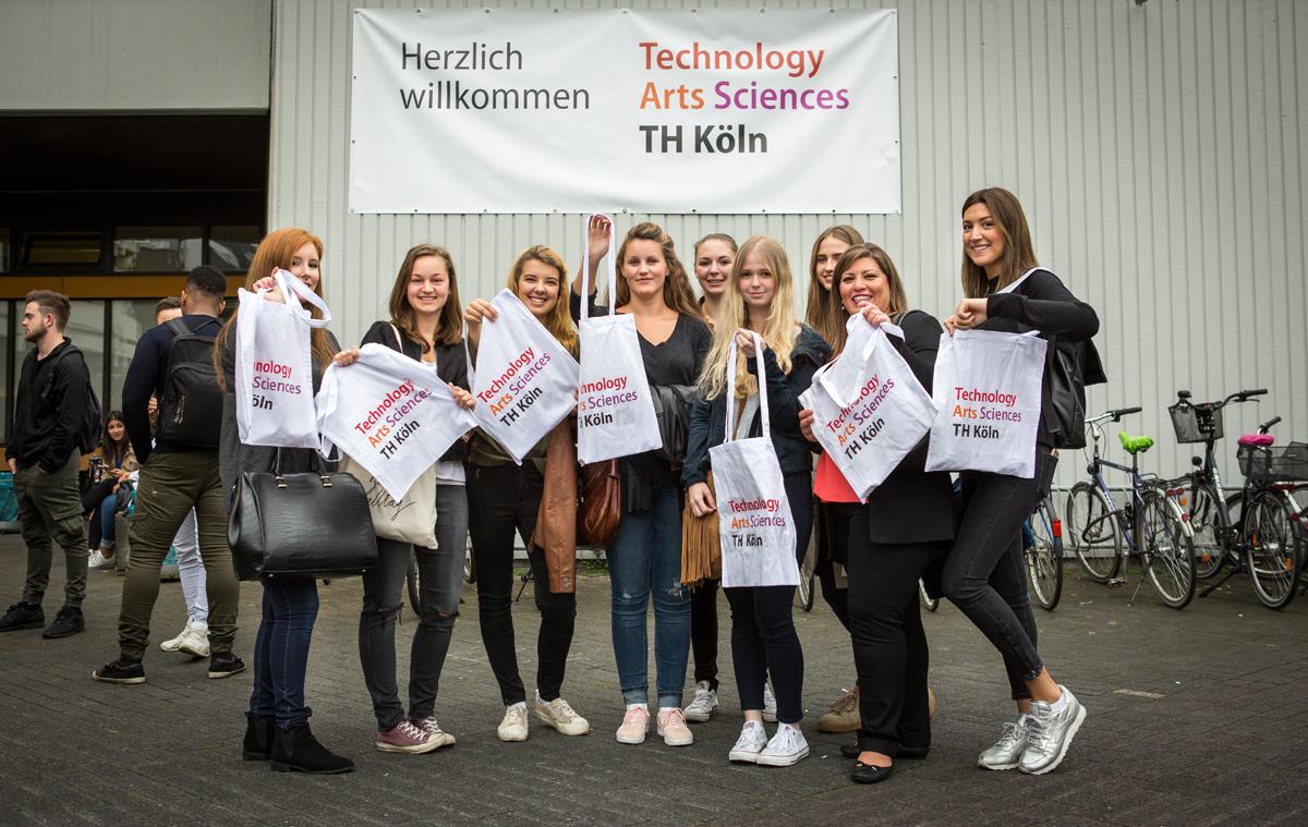 Niedlich Aktuelles Format Des Lebenslaufes 2014 Für Erstsemester ...