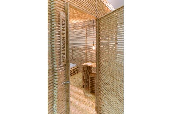 two point five pop up hostel th k ln. Black Bedroom Furniture Sets. Home Design Ideas