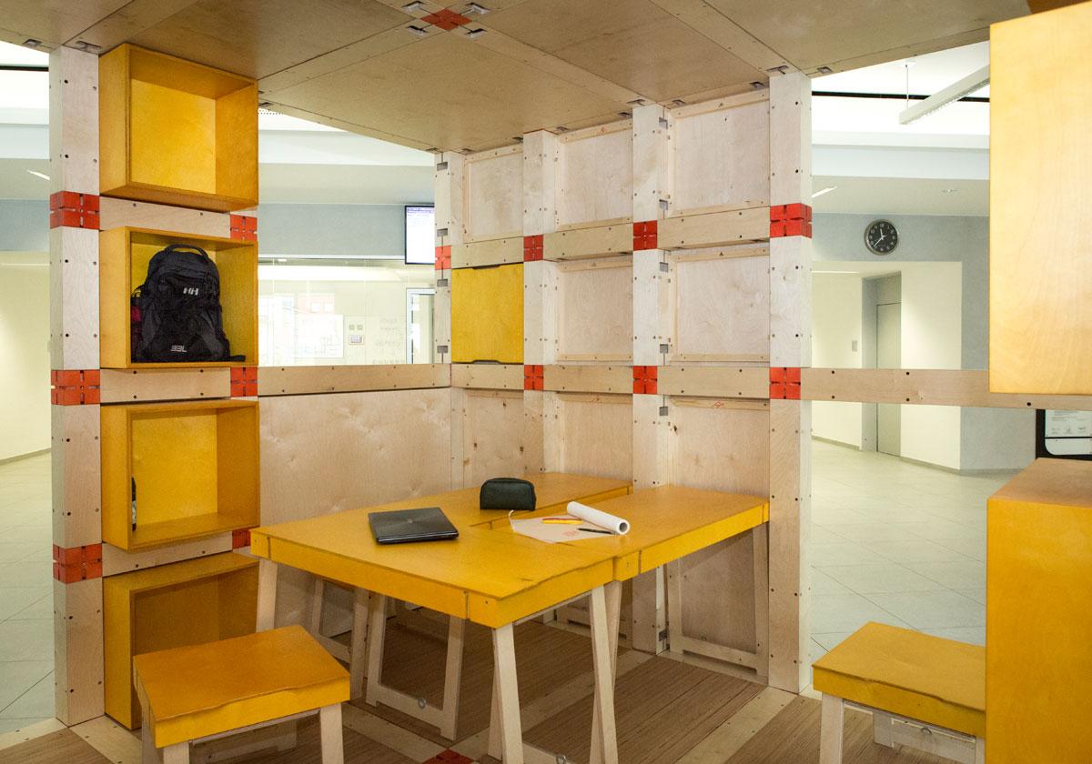 Architekturstudierende und Tischlerlehrlinge entwerfen ihren ...