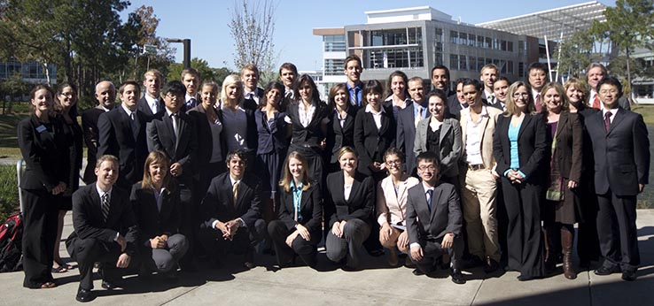 Group photo of the GLOBAL MBA cohort 2009/10 after the thesis defense (Image: University of North Florida)