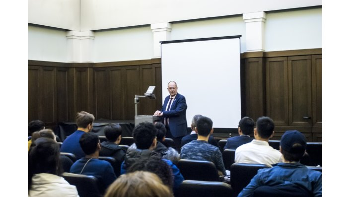 President Prof. Dr. Herzig welcomes Students of the Winter School 2019